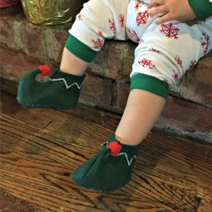 Dahlia of the Week: Custom-made Christmas Booties (handmade by Papa!)